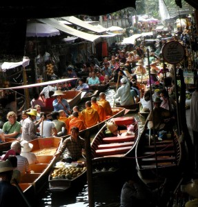 Bangkok out 2010 42 287x300 - 5 lugares extraordinários no Sudeste Asiático