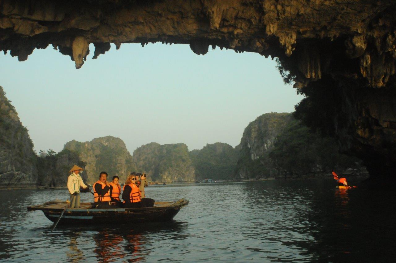 Halong Bay Vietna 36 - Turismo no Vietnã: por que embarcar nessa aventura?