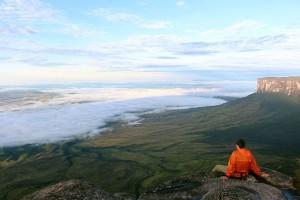 Monte Roraima Jota 300x200 - Trekking: o que é e onde praticar no Brasil