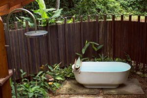 783A0243 300x200 - É possível viajar para a Amazônia com conforto e segurança?