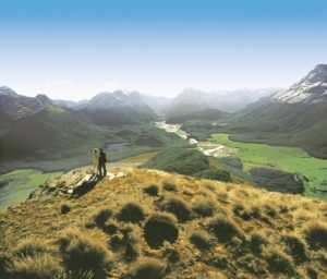 Cópia de Mt Alfred 300x256 - Turismo na Oceania: desvendando as belezas do outro lado do mundo
