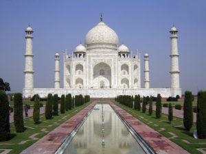 IIC IND VOL01 003 300x225 - Quer viajar para o exterior com dólar alto? Conheça os 5 melhores destinos