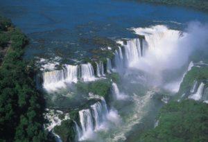 4 300x205 - Se apaixone pelas 6 mais incríveis cachoeiras do Brasil
