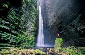 Cânion da Fumacinha Foto Alex Uchôa 300x195 - Se apaixone pelas 6 mais incríveis cachoeiras do Brasil