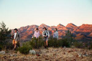 Tourism Australia The Arkaba Walk 300x200 - Descubra as melhores rotas de trekking da Austrália