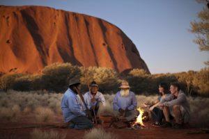 Uluru 01 300x200 - Descubra as melhores rotas de trekking da Austrália
