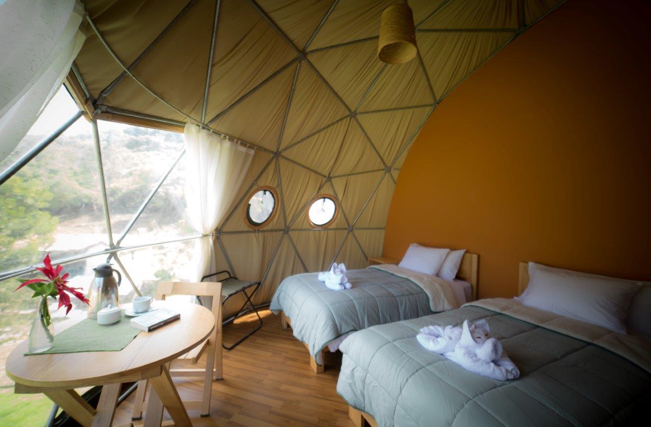 Ecocamp Perú interior - Glamping: conheça o tipo de hospedagem que une acampamento e luxo