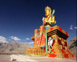 Buda Índia - 6 dicas para fazer a travessia do Himalaya em duas rodas