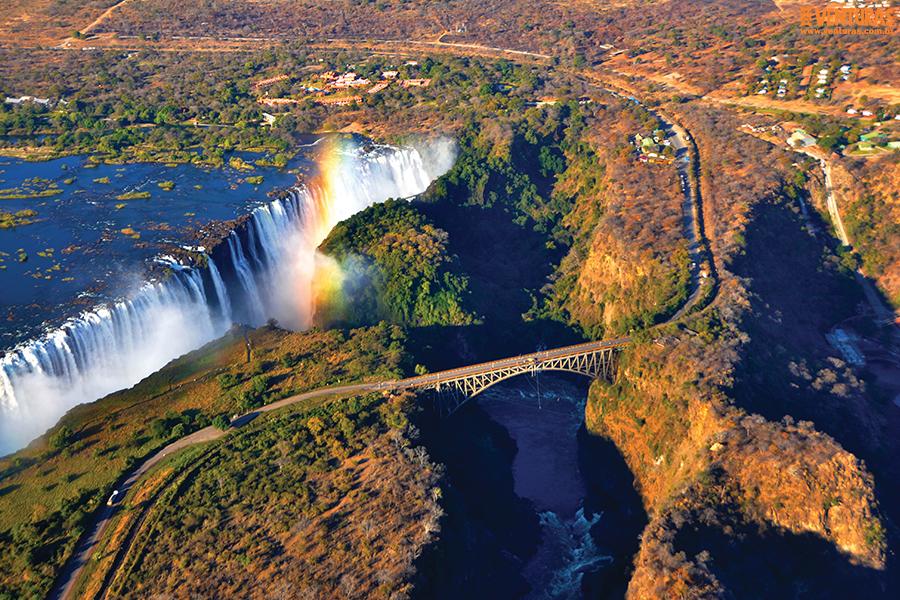 Zâmbia e Zimbabwe Victória Falls - Zâmbia ou Zimbabwe - Exóticos vizinhos