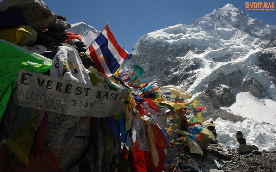 Nepal Everest Campo Base 01 - Viagens em grupo com guia brasileiro: como funciona?