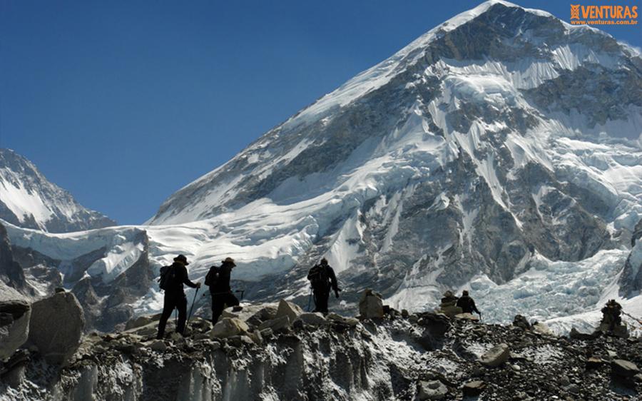 Nepal Everest Campo Base 02 - Viagens em grupo com guia brasileiro: como funciona?